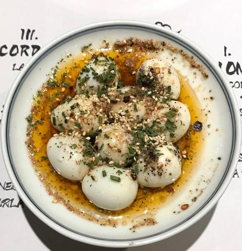l'uovo di quaglia sodo in salsa chongqingese