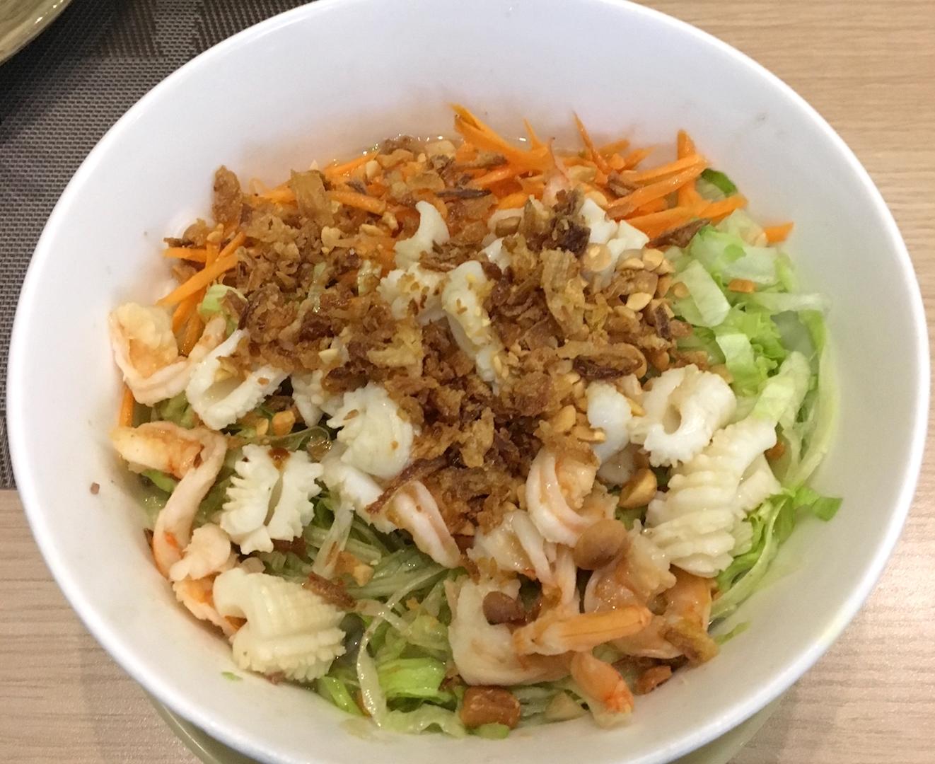 Bún bò Nam Bo (Spaghetti di riso al vapore con gamberi e germogli di soia)