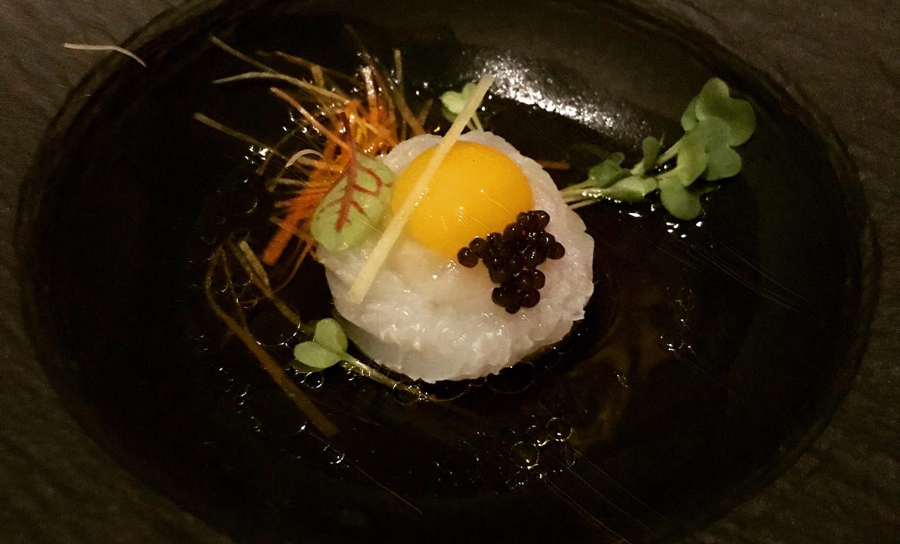 Ika Somen- Crudo di calamaro sfrangiato, caviale Kaluga Amur, verdure croccanti, uovo di quaglia