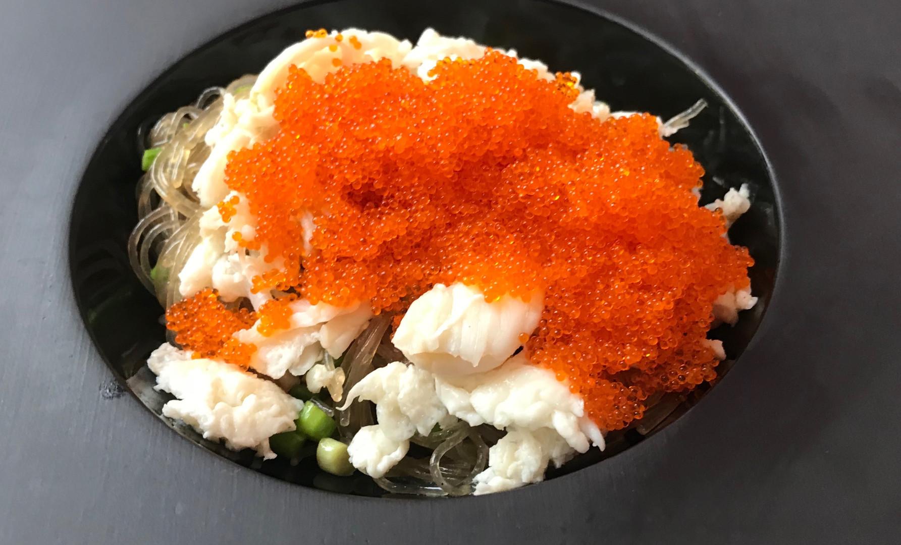Spaghetti di Soia con King Crab, Asparagi Baby e Tobiko Orange