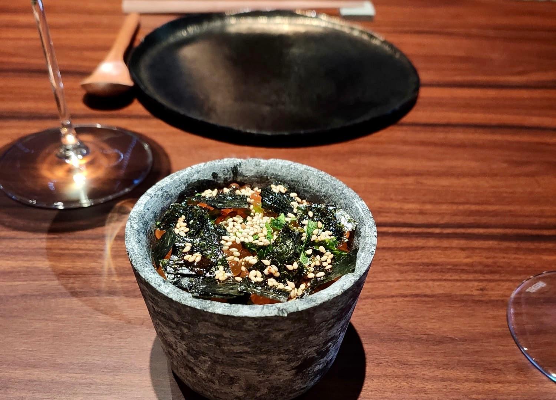 Chawanmushi, uova di trota, salmone e asparagi