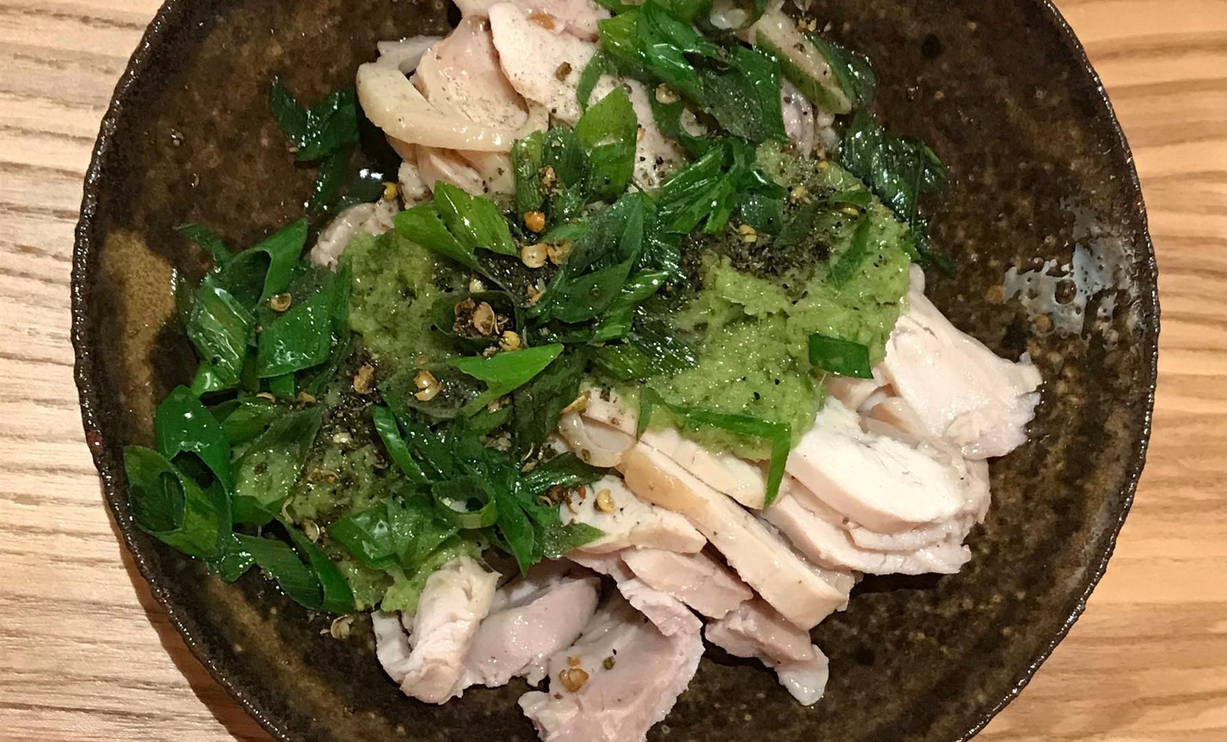 Pollo in salsa verde (cotto a bassa temperatura con zenzero cipollotto e pepe verde Sichuan)