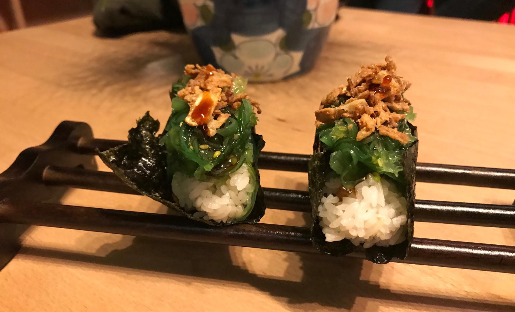 Fimger Sushi di alga e cipolla croccante