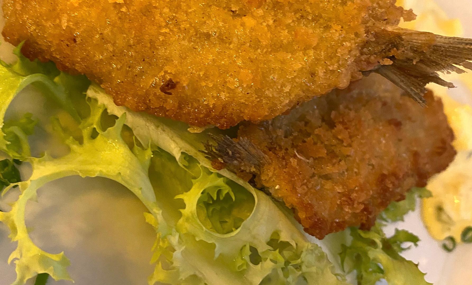 Branzino fritto del giorno con mayo miso