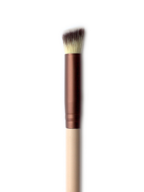 ANGLED BLENDING BRUSH #217
