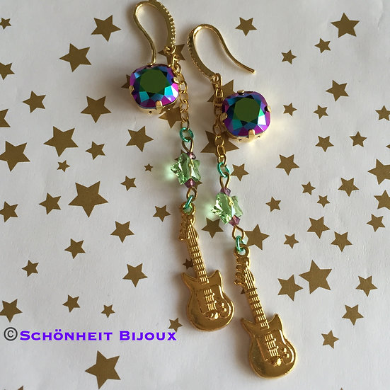 スワロフスキーとギターチャームピアス/Swarovski Rhinestone and Guitar Charm Earrings (Gold)
