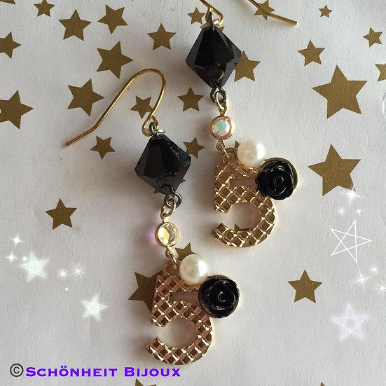 スワロフスキーとシャネルNo. 5チャームピアス/Swarovski and Chanel No. 5 Charm Earrings (Gold)