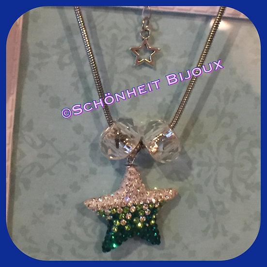 緑スターネックレス/ Green Star Necklace