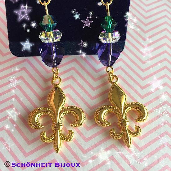 レアなスワロフスキーとフラ・ダ・リチャームピアス/Rare Swarovski and Fleur-de-lis Charm Earrings (Gold)