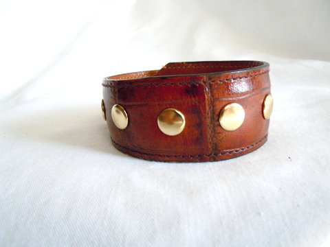 Brown Cuff Alligator Grain Gold Rivets CBB 124