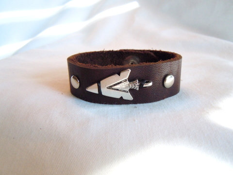 Soft Brown Leather with Silver Arrowhead AR 111