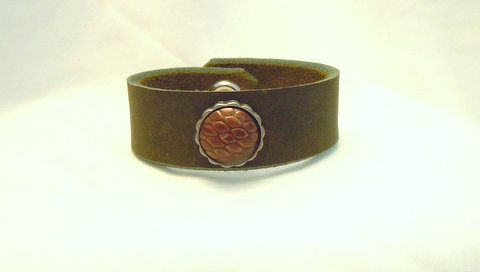 "7/8"" Avocado Leather Cuff Brown Button CBB 112"