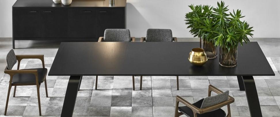 Mesa de jantar preta