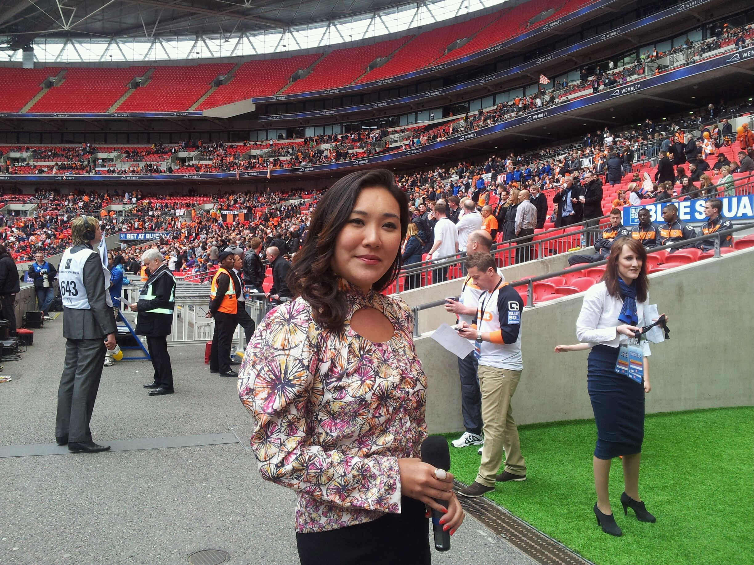 Rose Jang Wembley about to sing