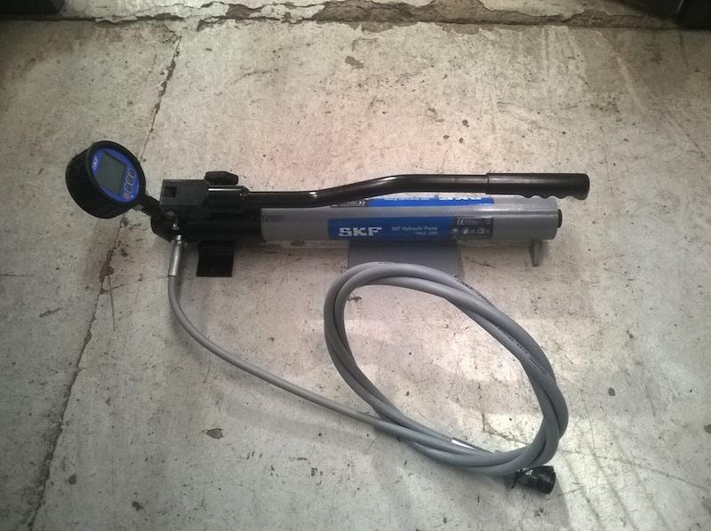 Bomba-para-montaje-de-rodamientos-2