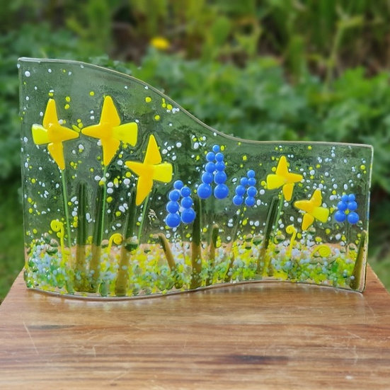 Daffodil Fused Glass Wave