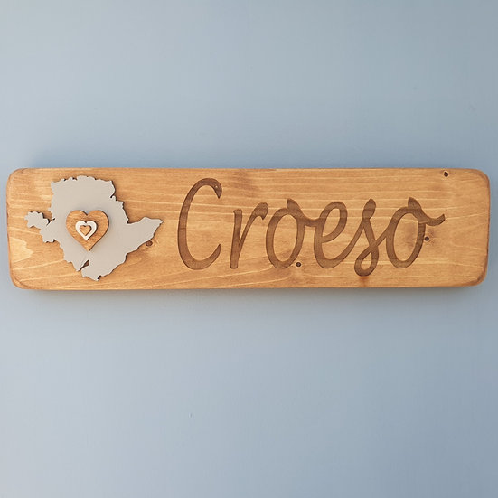 Wooden Anglesey Croeso Sign