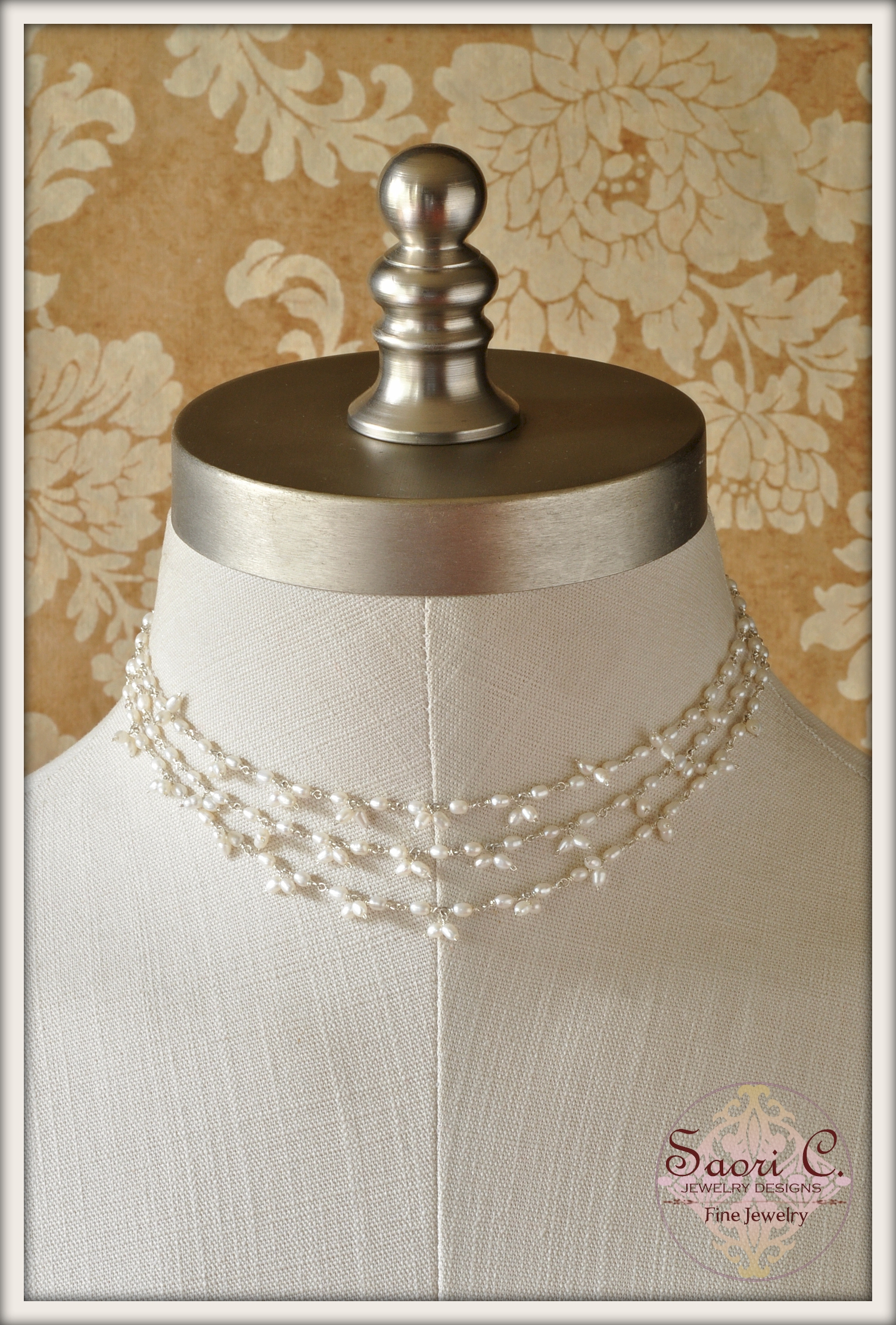 Hazy Illusion Pearl Necklace