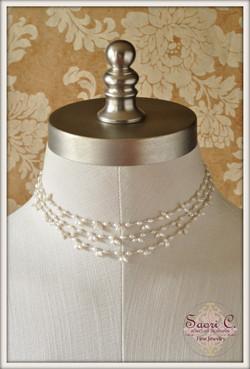 Hazy Illusion Pearl Necklace