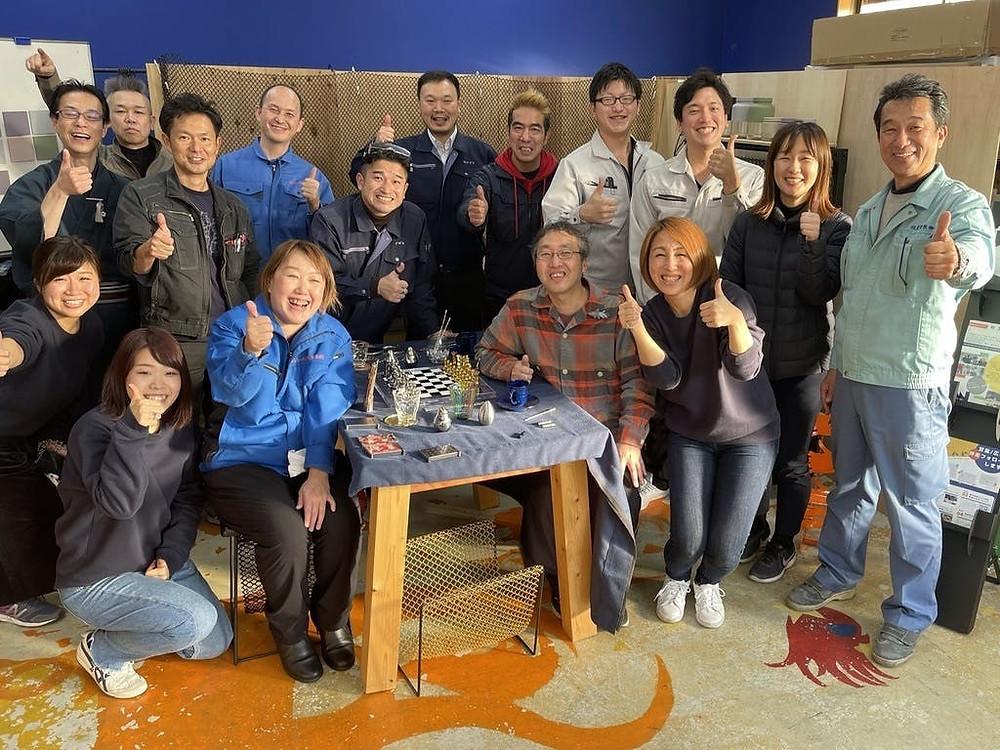 「東京ギフトショー」参加の町工場の仲間と一緒に