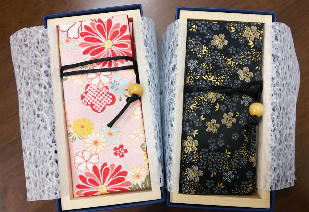 貼り箱とHAKOMASUにセットした状態の各かんざし袋