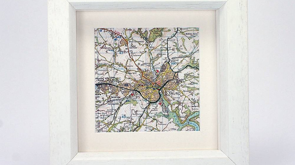 Square personalised framed map