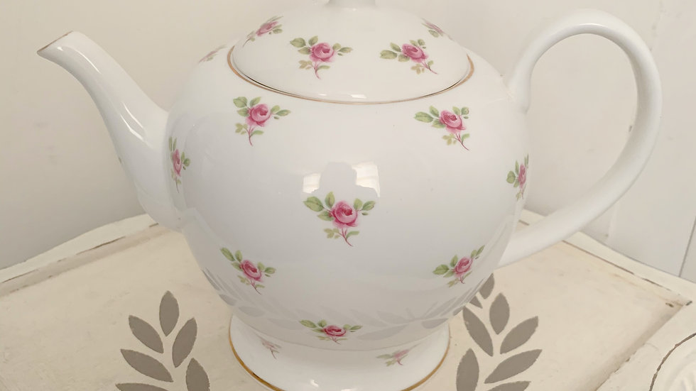 Ditsy pink rose medium 4 cup bone china teapot