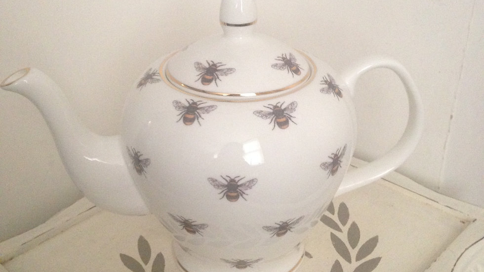 Bee design medium 4 cup bone china teapot