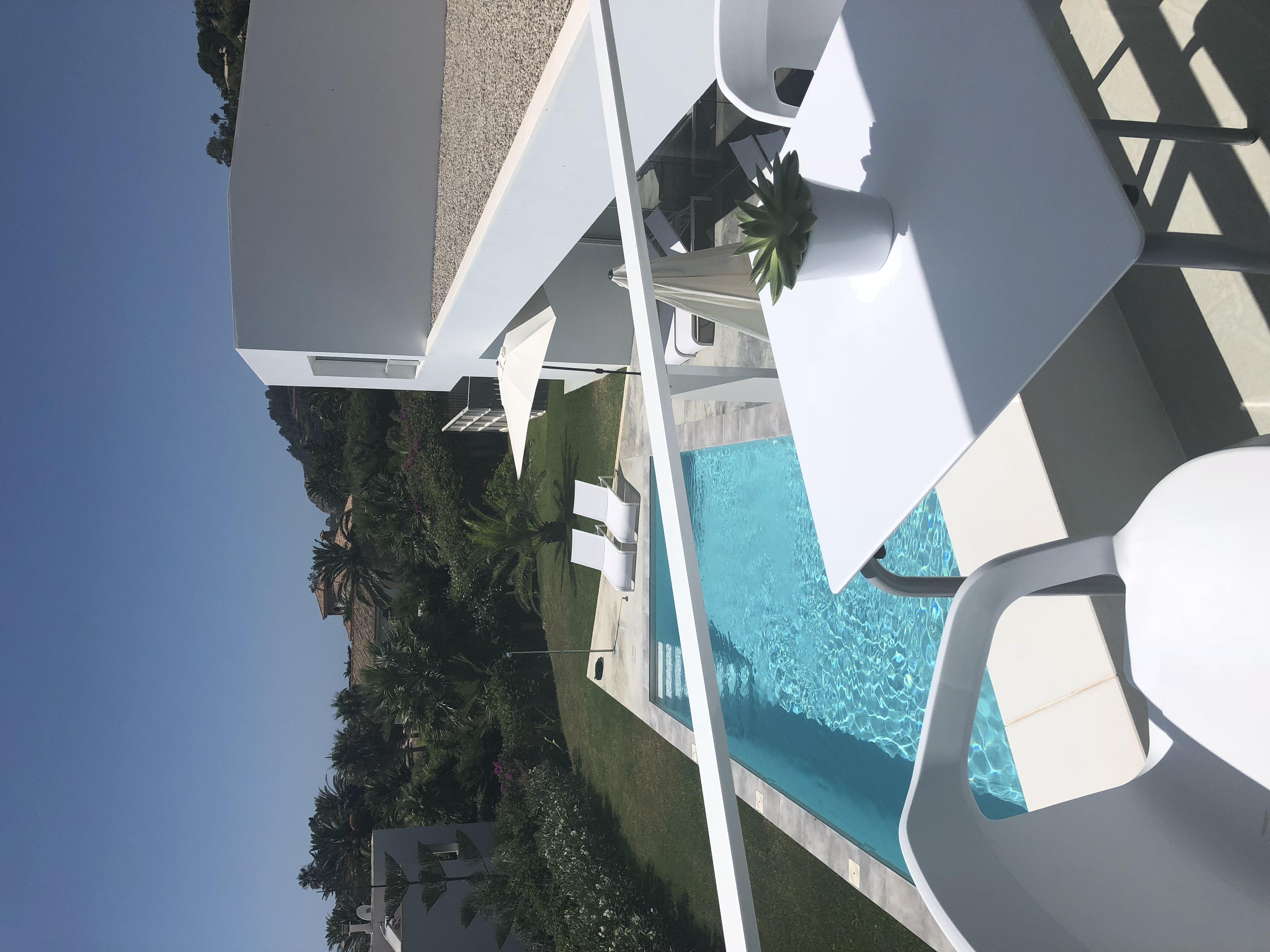 Blick auf Pool von Zimmer Nr. 5