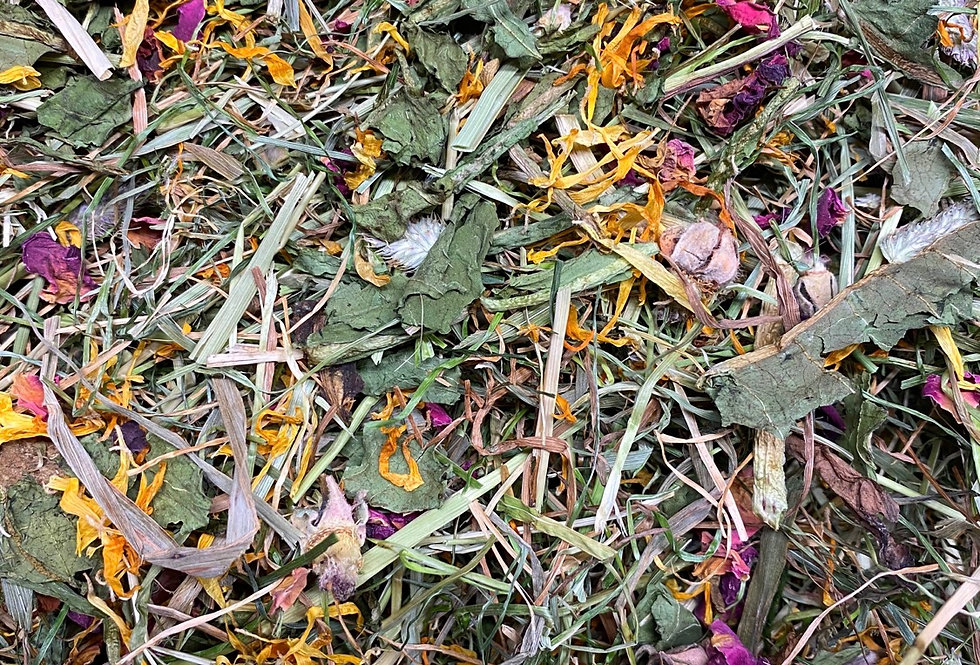Dandelion, Rose Petals & Marigold Hay Blend (100g)