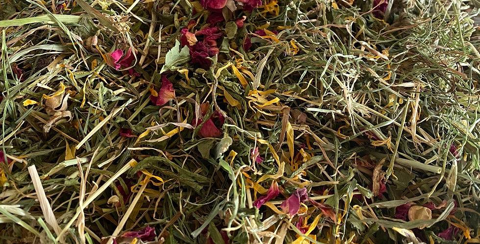 Dandelion, Rose Petals & Plantain Hay Blend (100g)