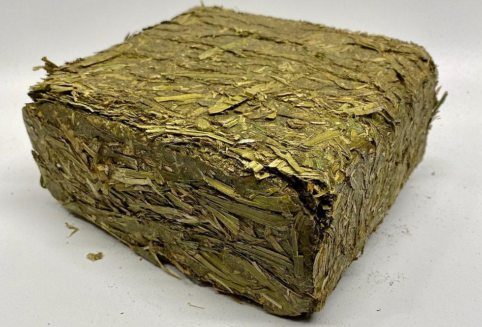 1KG Compressed Alfalfa Forage Bricks