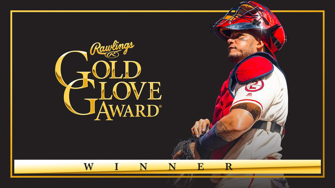 Molina reclaims crown with ninth Gold Glove