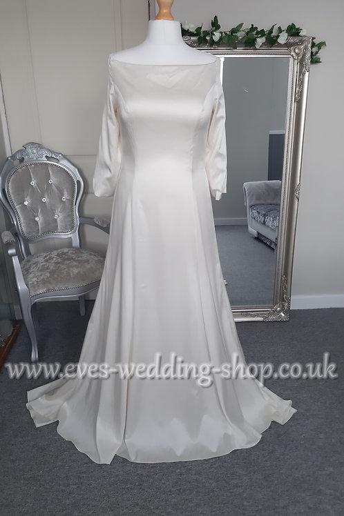 Hilary Morgan ''Megan'' ivory wedding dress UK 18