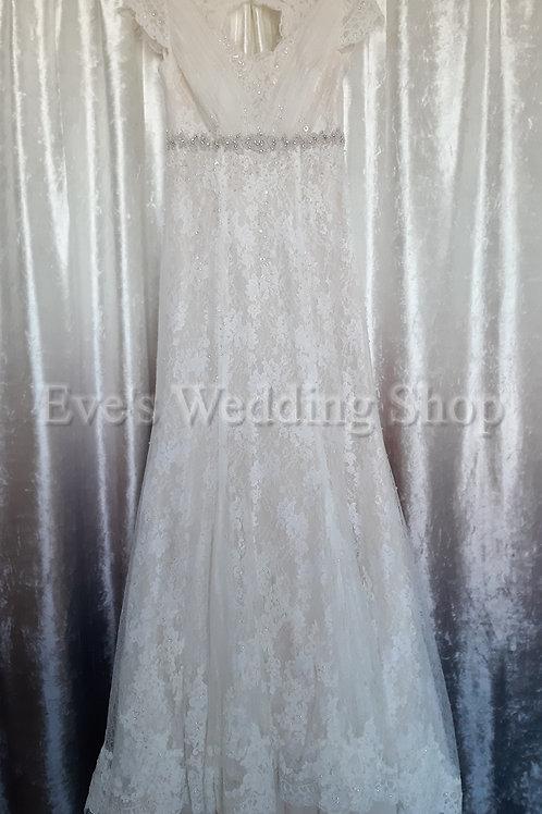 Nicky Flynn - Willow wedding dress UK 8/10