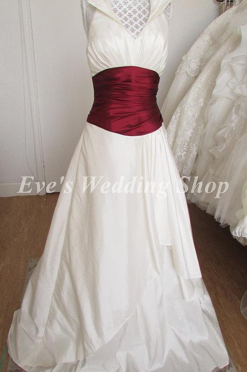 Ivory burgundy wedding dress UK 10