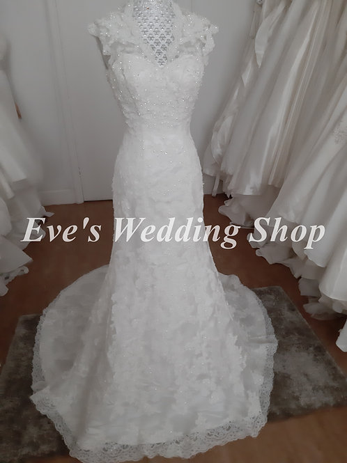 Berketex ivory lace wedding dress US 0 , UK 4