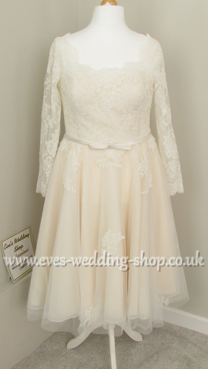 Lou Lou short wedding dress with sleeves UK 18