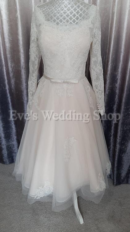 Lou Lou short wedding dress with sleeves UK 18