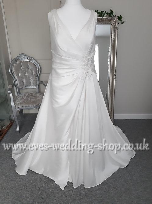 Venus V-neck wedding dress UK 24