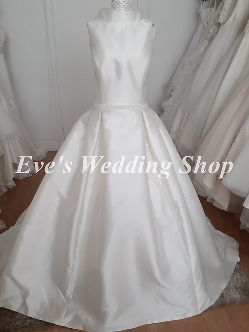High neck ivory wedding dress with hidden pockets UK 16