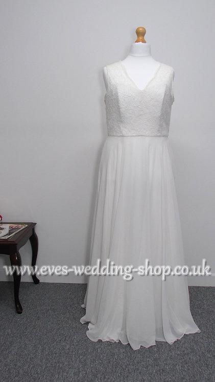 Dessy chiffon wedding dress UK 20