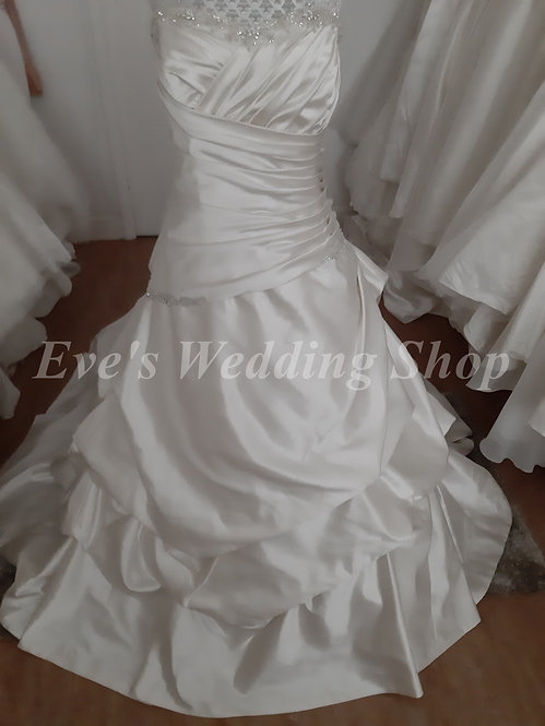 Rosetta Nicolini oyster colour wedding dress UK 20/22
