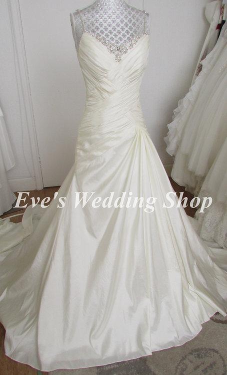 Veromia ivory color wedding dress UK 10