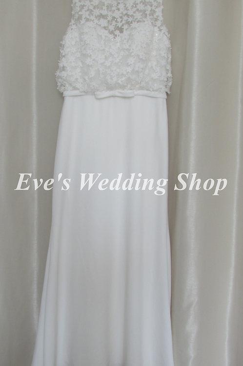 Simple elegant ivory beach / destination wedding dress UK 14/16