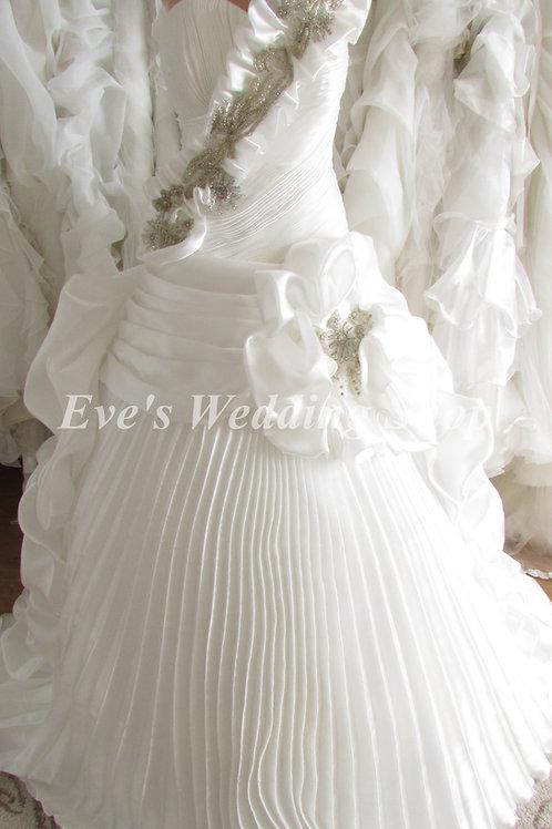 WHITE BEADED RUFFLED WEDDING DRESS UK 12