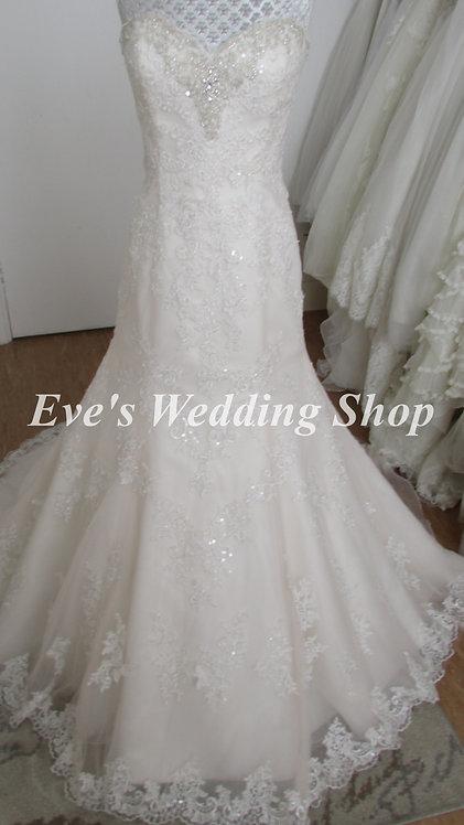 Ivory / Wintermelon lace wedding dress UK 14/16