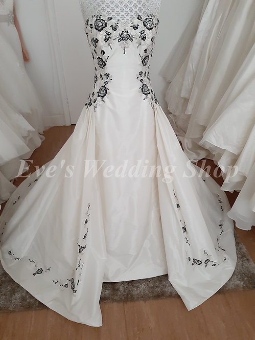 Sophia Tolli ivory black wedding dress UK 4/6