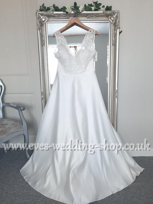 Bianco Evento ''Avalan'' ivory wedding dress  EU 42, UK 14