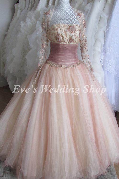 ALYCE PRINCESS WEDDING DRESS SIZE 6